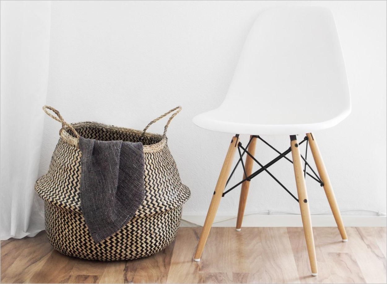 Chaise Eames et parquet