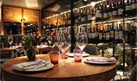 12 idées de cadeaux autour du vin pour faire plaisir à un amateur