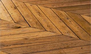 Cacher un carrelage moche : que faire pour changer de sol ?
